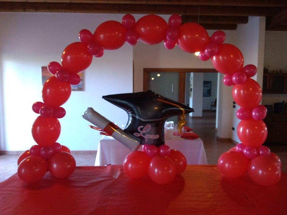 palloncini laurea arco e centro tavola