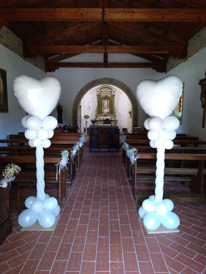 palloncini matrimonio colonne con cuore